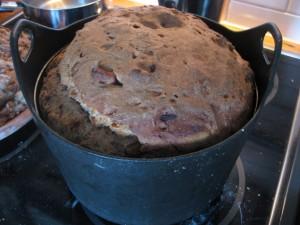 Baking in a Sarpaneva cast iron pot