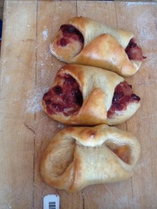Vigilanates - fresh from the oven and ready for biting.