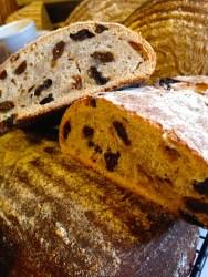 Wonderful recipe for delicious sourdough rye and raisin bread 1