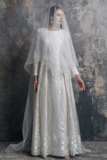 White Lace Modest Wedding Dress Faux Pearl Waistband Veil