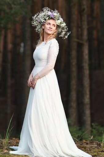 Ivory Modest Tznius Wedding Dress Long Sleeves 3D Appliques Wooded Background.jpg