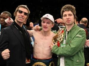 """Gallagher Bros - separados somente pelo boxer """"Ricky Hatton"""" - Nov/08"""
