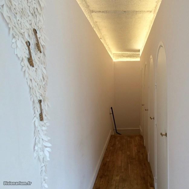 La réponse est au bout du couloir.