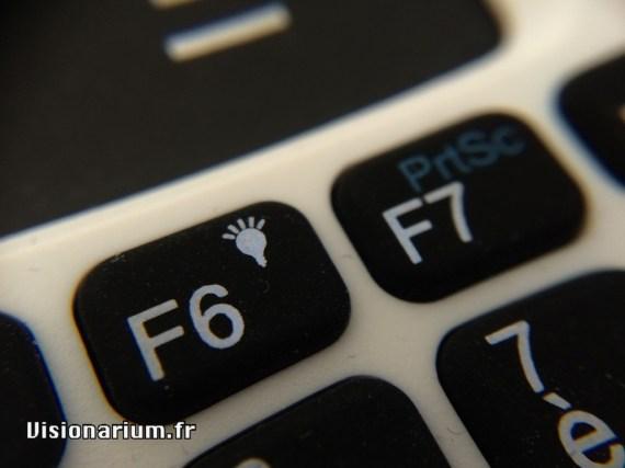L'icone de rétro-éclairage sur la touche F6, la petit surprise qui fait grave plaisir !