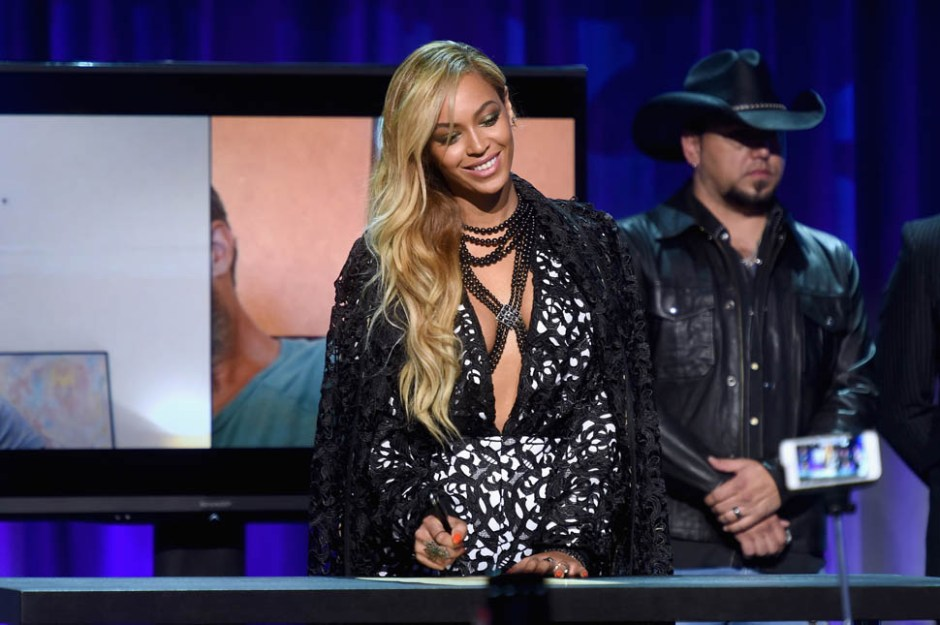 NEW YORK, NY - MARCH 30:  Beyonce onstage at the Tidal launch event #TIDALforALL at Skylight at Moynihan Station on March 30, 2015 in New York City.  (Photo by Jamie McCarthy/Getty Images for Roc Nation)