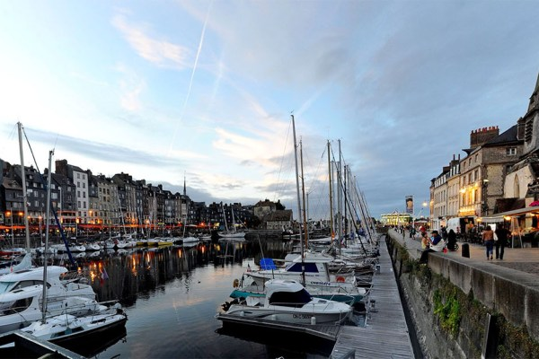 Virtual tour of French 18th Century port Honleur