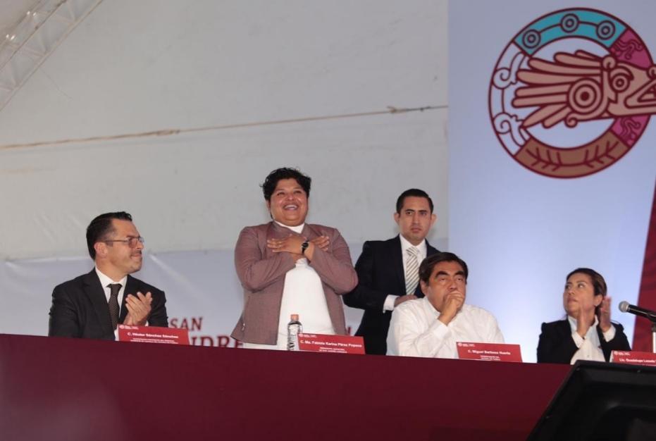 KARINA PÉREZ POPOCA RINDE SU PRIMER INFORME CON VALORES