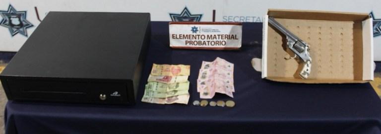 EXITOSAMENTE, DETUVO POLICÍA MUNICIPAL DE PUEBLA A DOS HOMBRES POR ROBO A SUCURSAL DE FARMACIA BENAVIDES