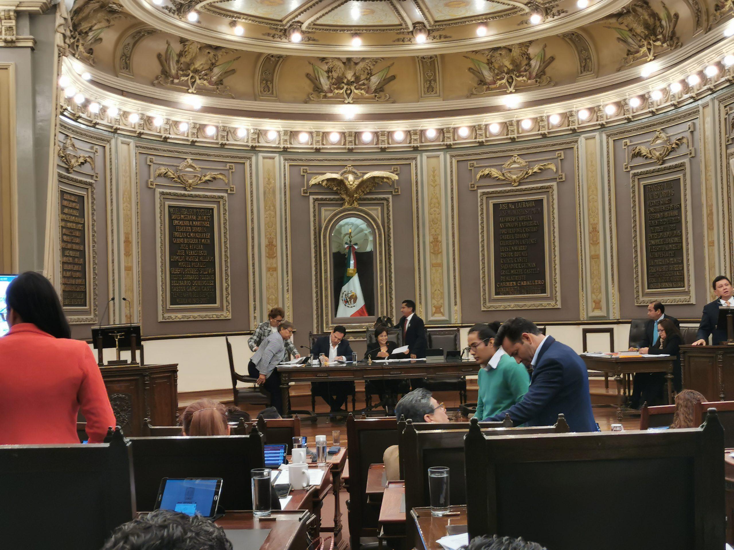 POR UNANIMIDAD , ACEPTA PLENO DEL CONGRESO LA RENUNCIA DE VÍCTOR CARRANCÁ BOURGET AL CARGO DE FISCAL GENERAL DEL ESTADO
