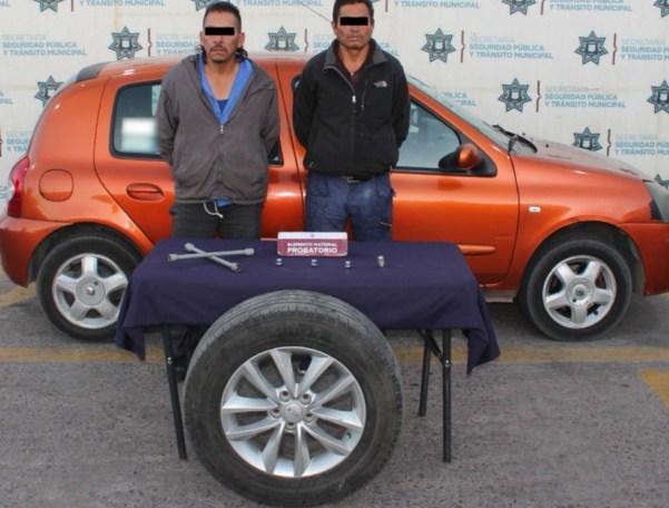 DETUVO POLICÍA MUNICIPAL DE PUEBLA A PAREJA POR ROBO DE AUTOPARTES
