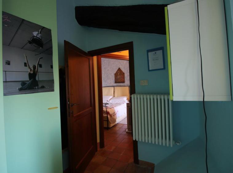 18 - Amelia - Via Civitavecchia - Camera da letto Dettagli