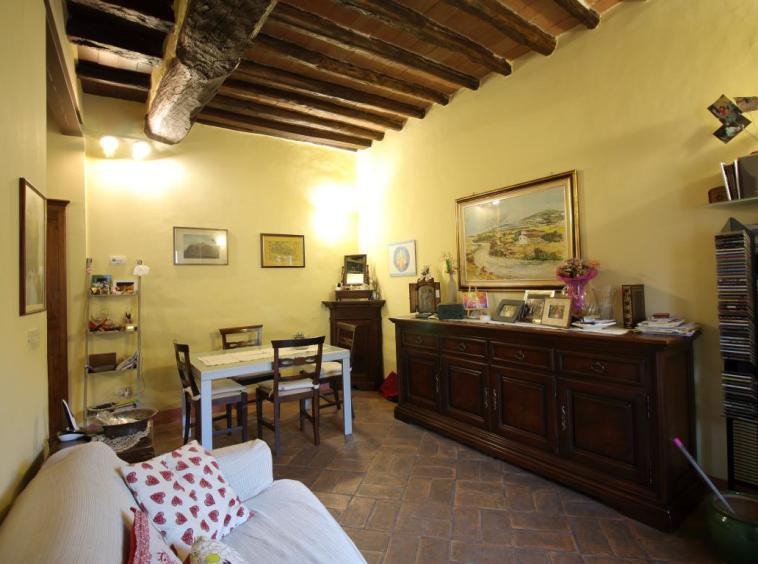 6 - Amelia - Via Civitavecchia - Salone