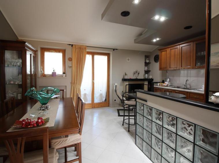 8 - Amelia - Appartamento - Via C.A. dalla Chiesa - Cucina
