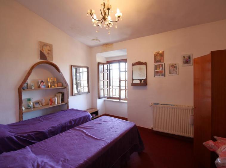 8 - Fornole - Appartamento - Camera