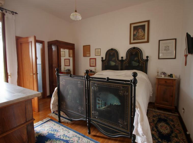 33 - Vigne - Narni - Camera da letto con bagno