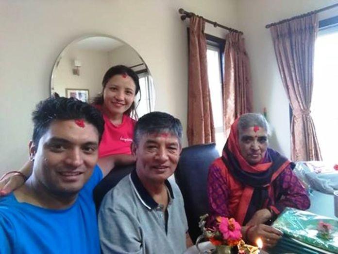 madan-krishna-shrestha-with-yasoda-subedi-3
