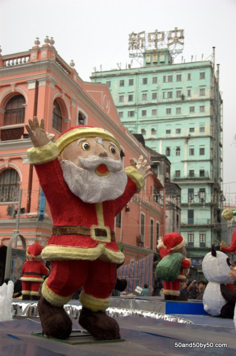 Santa in the Largo de Senado ('Square of the Senate') on my Macau day trip