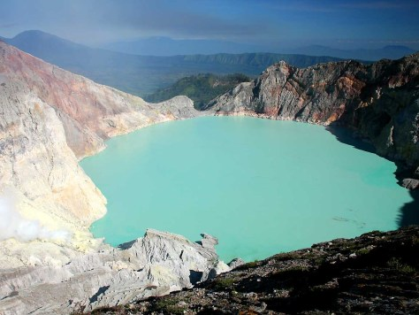 Kawah Ijen turquoise crater lake