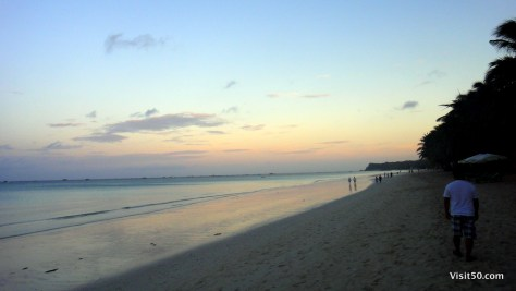 Sunset in Boracay - too touristy and overcrowded?