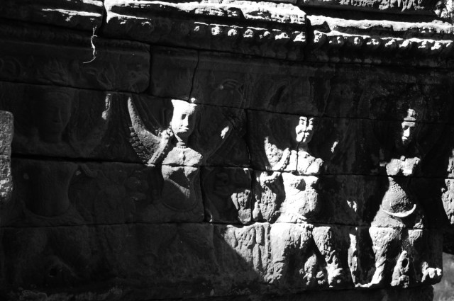 Celestial dancers in Banteay Chhmar Temple