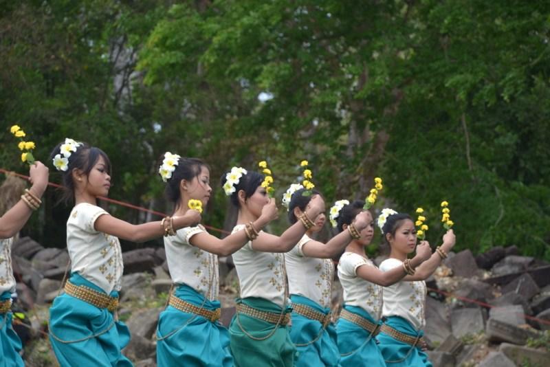 Poung Maree (Flower Women) Dance