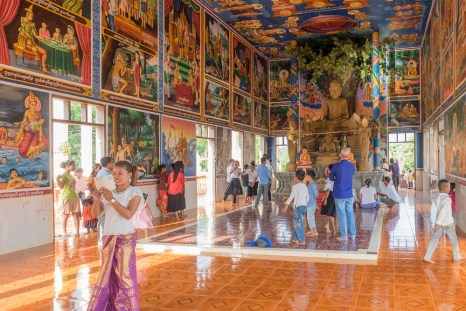 Visiting Banteay Chhmar Pagoda