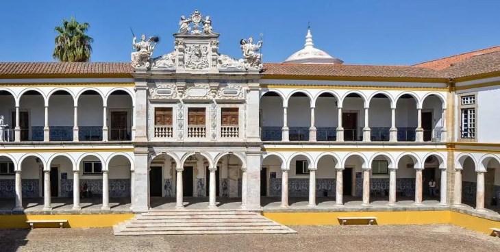 Universidad de Évora - Colegio del Espíritu Santo