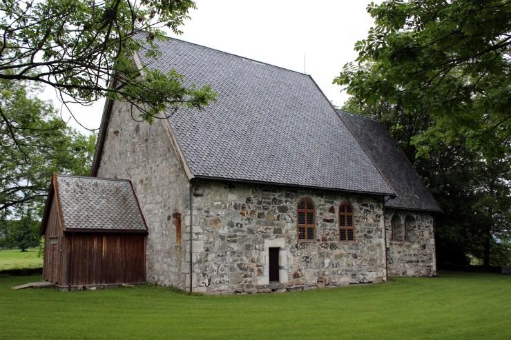 Konsert i Logtun kirke hver onsdag juni - august