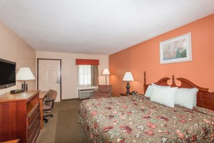15371_guest_room_28