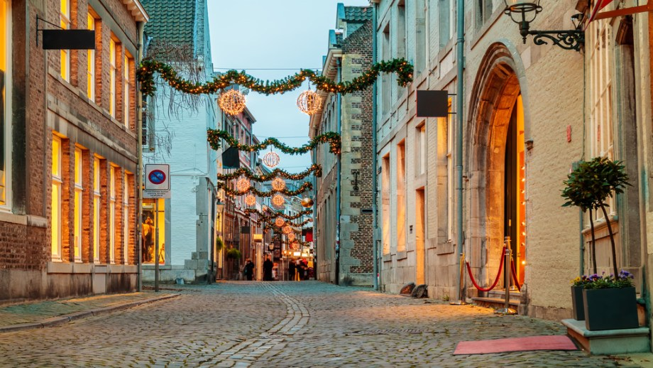 Best Christmas markets of The Netherlands | Christmas markets in Maastricht | Things to do in Maastricht The Netherlands in December | Mediagram - stock.adobe.com .jpeg