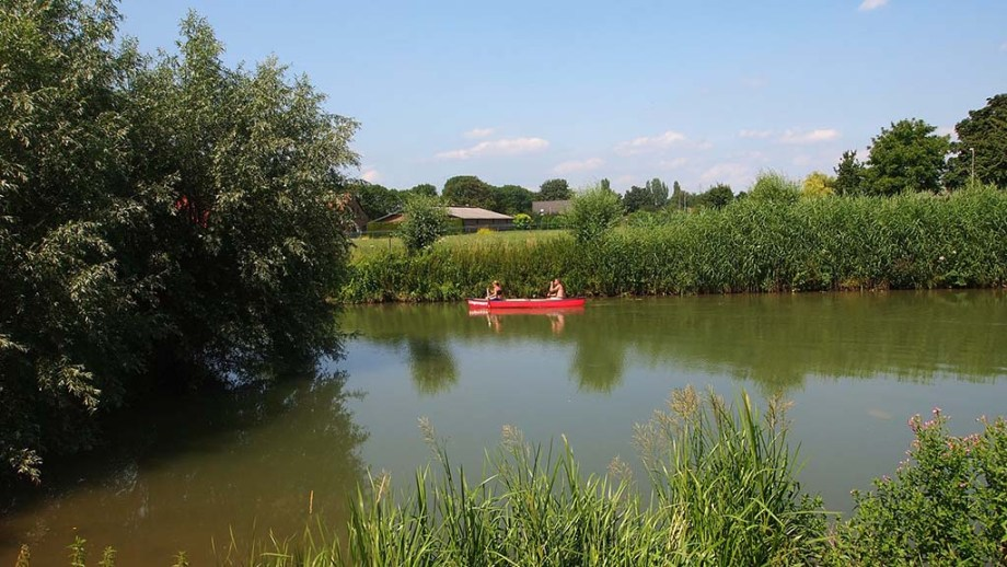 Discover the best locations to kayaking in The Netherlands. Go canoeing in National park De Biesbosch, The Netherlands, and more places.