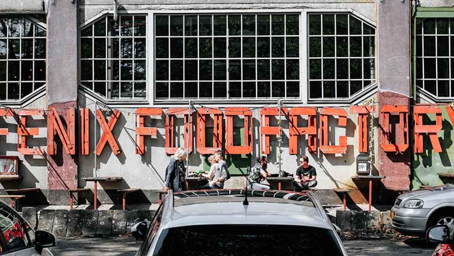 Foodhall in Rotterdam: Fenix Food Factory
