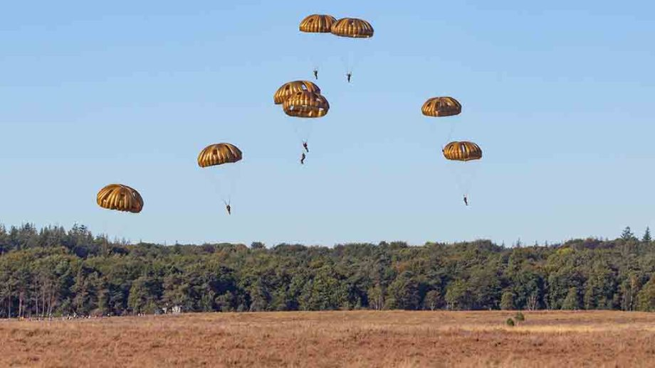 Ginkelse Heide, near Ede The Netherlands, airborne troops as a memoration for the battle of Arnhem