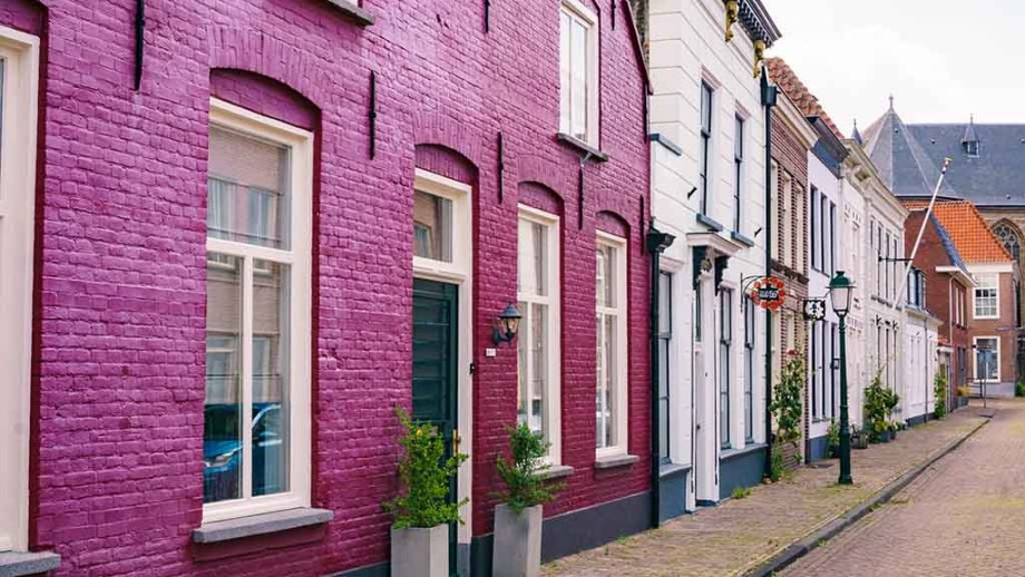 Old dutch canal houses in the town of Geertruidenberg, The Netherlands