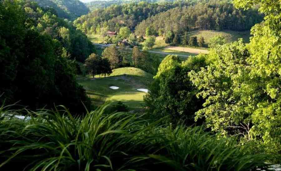 3 Excellent Golf Courses Near Gatlinburg TN for a Fun Day on the Green Beautiful photo of the Gatlinburg Golf Course