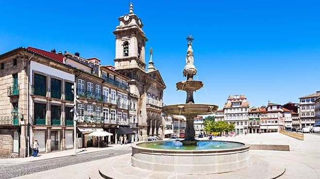 Largo do Toural   www.visitportugal.com