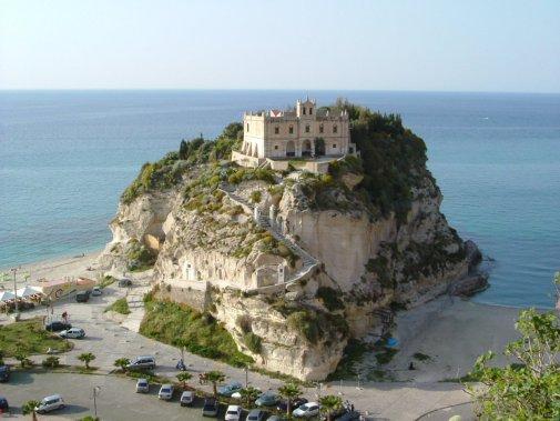 Santa MAria Dell'Isola,Tropea