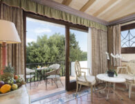 Le Palme classic balcony