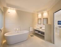 Chia Laguna_Hotel Baia_Suite Incanto_Bath with bathtube