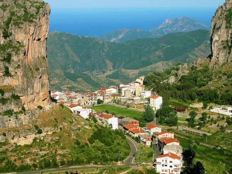Visit Sardinia VIP | Su Marmuri Cave and the Textile of Ulassai
