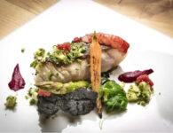 53. Dish - Cernia a bassa temperatura, purea di patate al nero di seppia, alghe wakame al sesamo e gambero rosso scottato