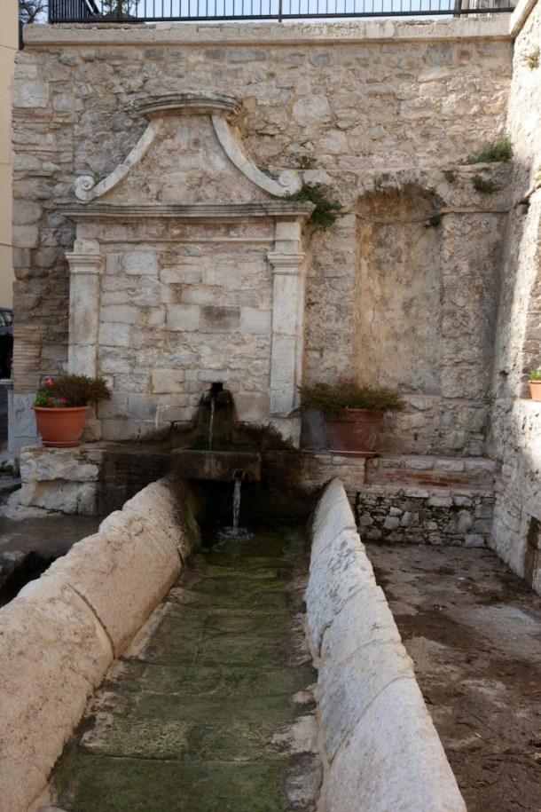 Fonte Vecchia