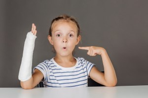 child with arm in cast | Pediatric Orthopaedics | TOC | Huntsville AL
