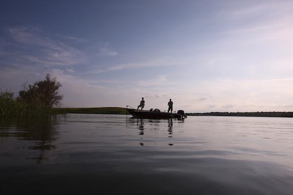 Avventura di pesca nei laghi del North Dakota