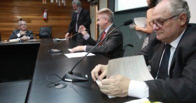Proibição do poder público de contratar rádios comunitárias será debatida
