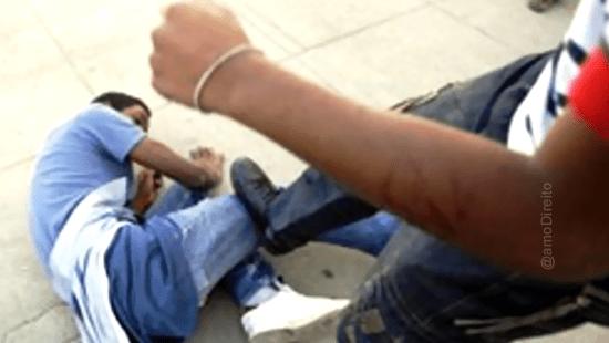Professora leva paulada ao separar briga de alunos em Itajaí
