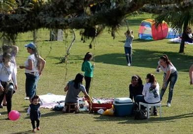 Sábado tem roda de conversa, yoga e piquenique no Parque Raimundo Malta