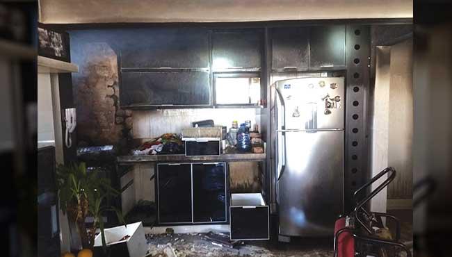 Fogo destrói cozinha de edifício na 3700