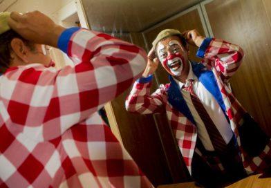 Livro fotográfico narra a história do Circo Teatro Biriba