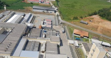 Detentos fazem agentes reféns em presídio de Itajaí